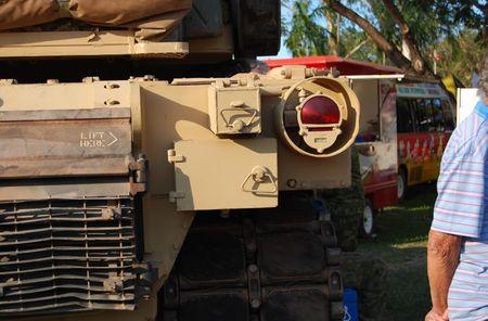 Vach tinh nang bi giau kin tren sieu tang M1 Abrams My - Anh 10