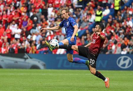 Euro 2016 Croatia 1 – 0 Tho Nhi Ky: Chi Modric la du - Anh 2