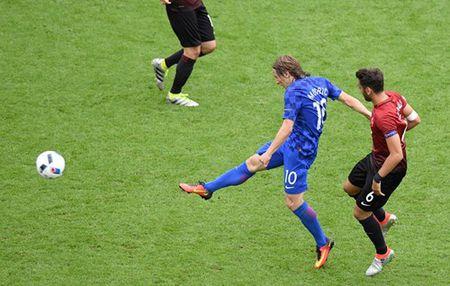Euro 2016 Croatia 1 – 0 Tho Nhi Ky: Chi Modric la du - Anh 3