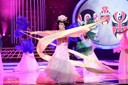 Guong mat than quen 2016: Hoai Linh 'che' My Linh beo 'day da', de nhieu - Anh 4