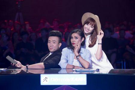 """Tran Thanh """"boc hoa""""vi Hari Won tung """"an dam nam de"""" voi Son Tung - Anh 1"""