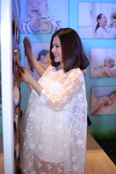 "Phuong Vy Idol tai xuat ""tron tria"" sau 1 thang ruoi sinh con - Anh 12"