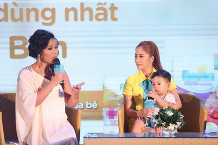 "Phuong Vy Idol tai xuat ""tron tria"" sau 1 thang ruoi sinh con - Anh 6"