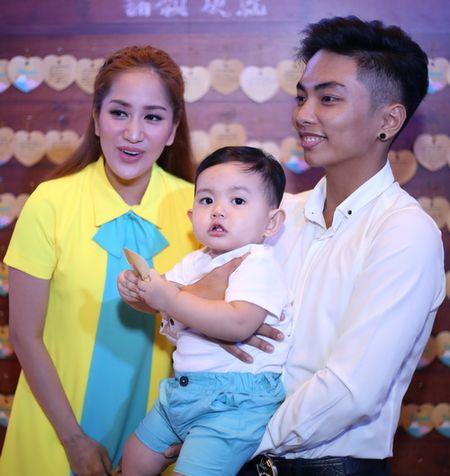 "Phuong Vy Idol tai xuat ""tron tria"" sau 1 thang ruoi sinh con - Anh 7"