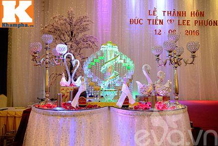 Le Thi Phuong hanh phuc ngot ngao ben chong trong tiec cuoi - Anh 18
