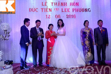 Le Thi Phuong hanh phuc ngot ngao ben chong trong tiec cuoi - Anh 4