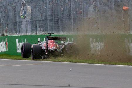 Phan hang Canadian GP: Hamilton vuot Rosberg doat pole - Anh 2