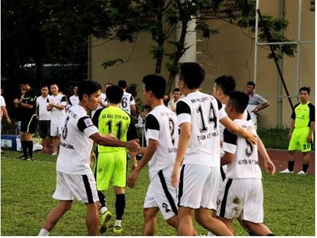 Thang dam 4-1, An ninh thu do gap VTV o chung ket Press Cup 2016 - Anh 1