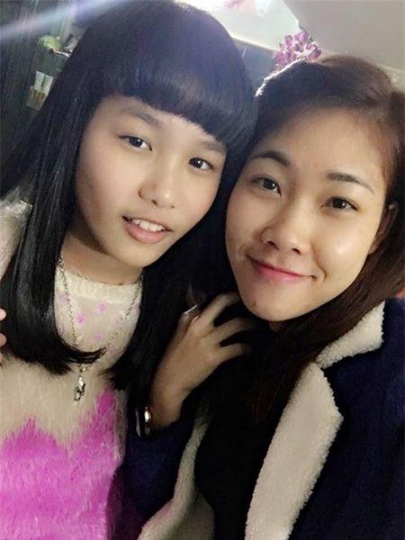 Con gai Hiep Ga 12 tuoi da duoc khen mat xinh, chan dai - Anh 4