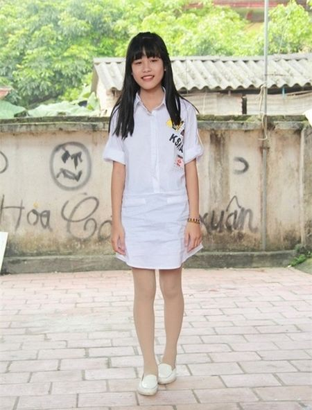 Con gai Hiep Ga 12 tuoi da duoc khen mat xinh, chan dai - Anh 7