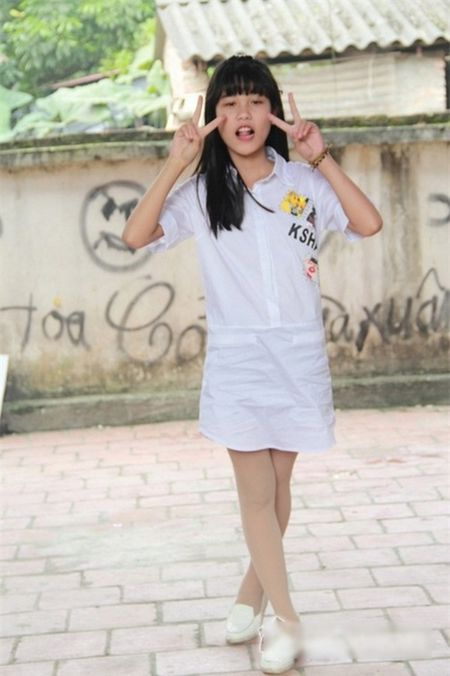 Con gai Hiep Ga 12 tuoi da duoc khen mat xinh, chan dai - Anh 8