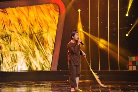 'Thu tai sieu nhi': Hoai Linh chap tay chao thua Kutin - Anh 10