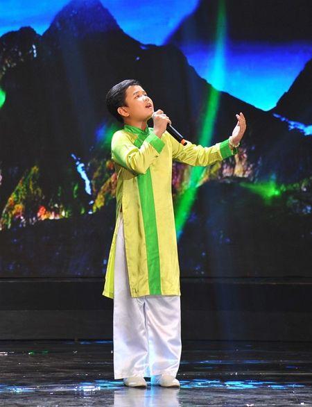'Thu tai sieu nhi': Hoai Linh chap tay chao thua Kutin - Anh 13