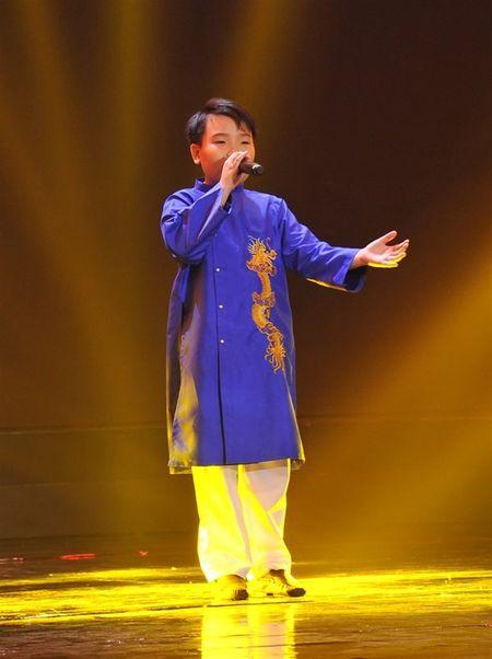 'Thu tai sieu nhi': Hoai Linh chap tay chao thua Kutin - Anh 6