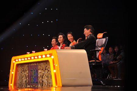 'Thu tai sieu nhi': Hoai Linh chap tay chao thua Kutin - Anh 9