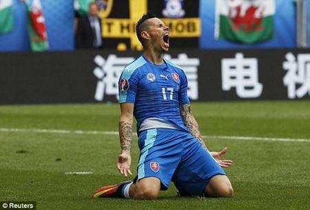 Bale lap sieu pham, Wales khoi dau nhu mo tai EURO 2016 - Anh 2