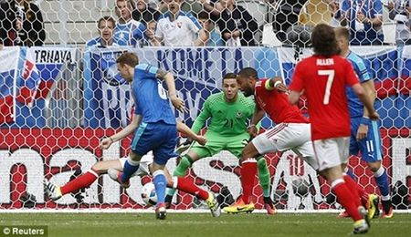 Bale lap sieu pham, Wales khoi dau nhu mo tai EURO 2016 - Anh 4