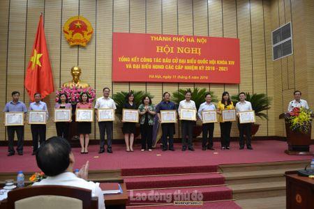 Khen thuong 95 tap the va 69 ca nhan lam tot cong tac bau cu - Anh 2