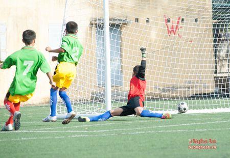 Thieu nien Quynh Luu thang de Anh Son 6-0 - Anh 3