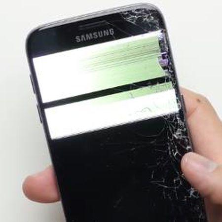 Test 'huynh de tuong tan' ve do ben giua Galaxy S7 Active va Galaxy S7 - Anh 1