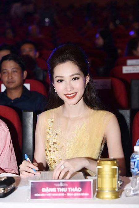 Lo dien top 18 nguoi dep vao vong chung ket Hoa hau Viet Nam 2016 - Anh 9