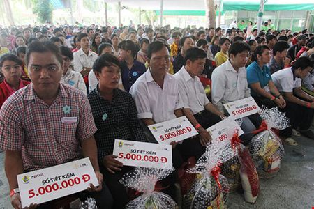 Sang nay, 1.000 cong nhan tham gia Ngay hoi cong nhan tai Dam Sen - Anh 1