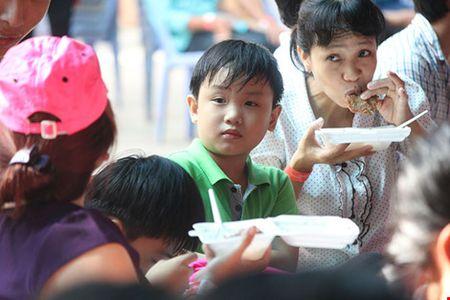 """Cong nhan den som de du """"Ngay hoi cong nhan lao dong"""" - Anh 8"""