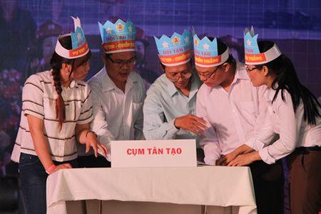 Tang hang tram cam nang an toan thuc pham va bao cho cong nhan - Anh 5