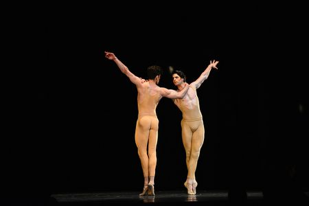 Paris Ballet va nhung got chan thien than gay am anh - Anh 2