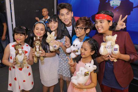Isaac tranh thu 'lay long' thi sinh Vietnam Idol Kids - Anh 2