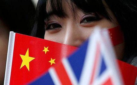 'Bong den' dang so tu Trung Quoc de doa EU - Anh 2