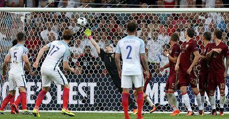 CAP NHAT tin sang 12/6: Anh danh roi chien thang truoc Nga. Man United tranh gianh Kante voi Arsenal - Anh 1