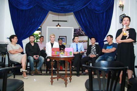 Son Tung M-TP lan dau hat nhac An Thuyen de tri an 'thay' - Anh 2
