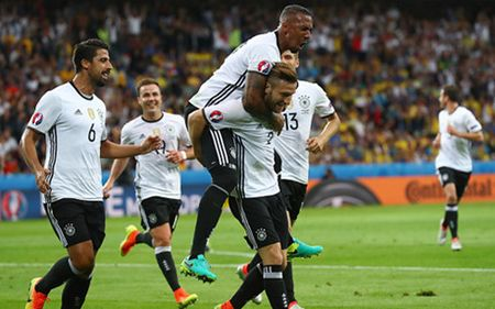 Truc tiep Duc 1-0 Ukraina: Cuu thua lien tiep - Anh 2