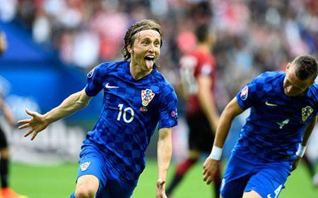 Truc tiep Duc 1-0 Ukraina: Cuu thua lien tiep - Anh 8