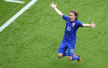 Truc tiep Duc 1-0 Ukraina: Cuu thua lien tiep - Anh 9