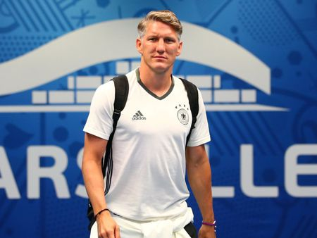 Duc - Phap 0-0: Bastian Schweinsteiger lan dau da chinh - Anh 1