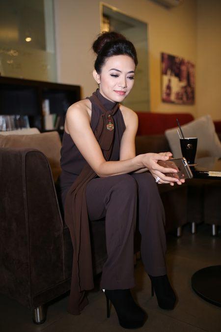 Phi Thanh Van ung ho Tinna Tinh ra MV ve scandal 'Mat na mau' - Anh 4