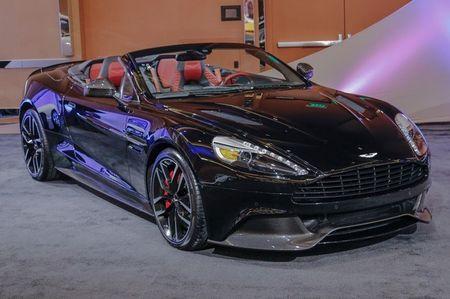 Sieu xe mui tran tien ty Aston Martin Vanquish thu 2 ve VN - Anh 5