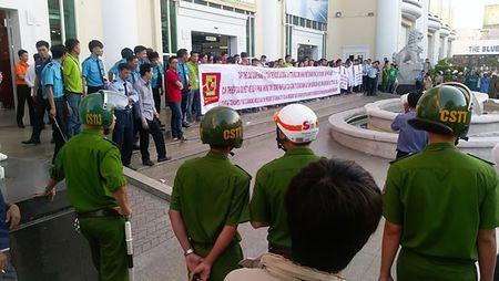 Nao loan truoc Big C Da Nang - Anh 1