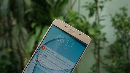 Can canh phablet co lon Galaxy A9 Pro tai Viet Nam - Anh 8