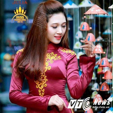 Hoa khoi truong DH Khoa hoc xa hoi Nhan van mo lam nu tiep vien hang khong - Anh 10
