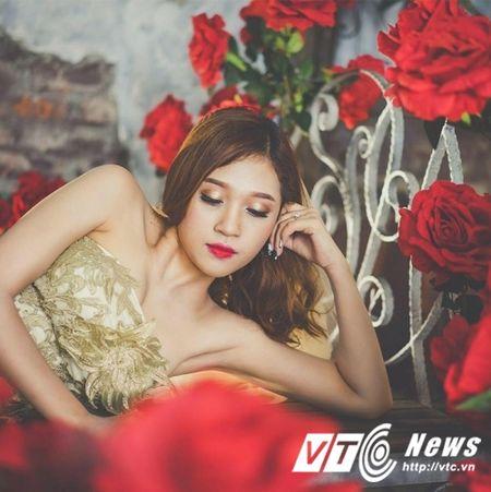 Hoa khoi truong DH Khoa hoc xa hoi Nhan van mo lam nu tiep vien hang khong - Anh 11