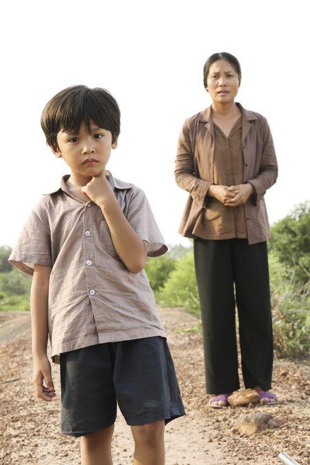 Ngo Thanh Van lay nuoc mat khan gia voi phim ngan ve me - Anh 2