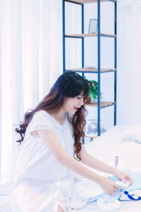 Mang thai lan 4, Minh Ha van giu nhan sac hot girl dang ghen ti - Anh 1