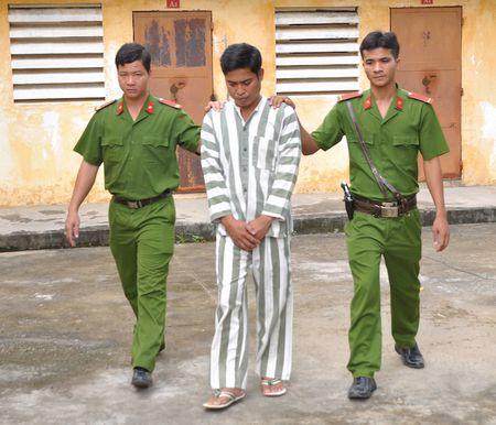 Dung do choi tre em de tong tien nhan tinh - Anh 1