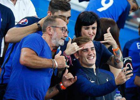 Griezmann khong muon thua Ronaldo lan nua - Anh 1