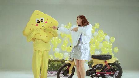 Miu Le vui tet ga vi MV moi can moc hon 100.000 view - Anh 2