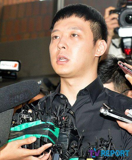 DNA tren do lot cua nguoi to cao chinh la cua Park Yoo Chun - Anh 1