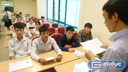TS. Le Viet Khuyen: Co the dung de thi de tranh tieu cuc trong thi cu - Anh 2